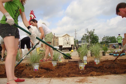Texas Ave Clean-Up, Shreveport by trudeau