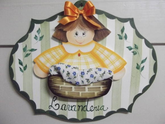 Placa de menina lavanderia | Artesanatos Ingrid Carvalho | 17948B - Elo7