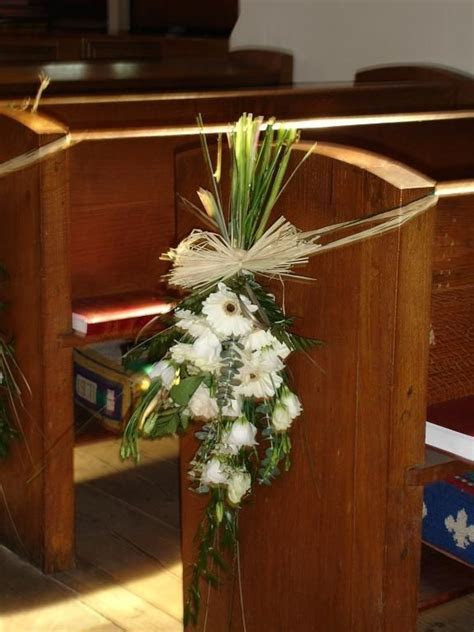 25  Best Ideas about Wedding Pews on Pinterest   Wedding