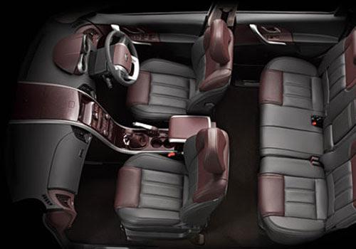Mahindra XUV 500 Front Seats