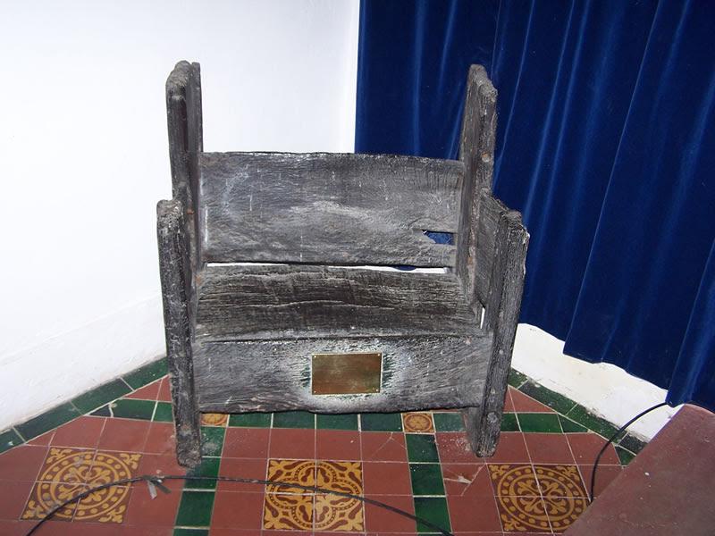 http://www.catexpert.co.uk/wp-content/uploads/2012/12/herts-st-augs-chair.jpg
