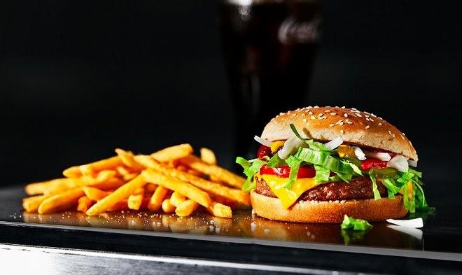 McDonald's начала открытое тестирование растительных бургеров McPlant