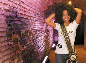Marleyse Morais, ganhadora do Concurso miss moradora de favela, realizado na Casa das Caldeiras, em São Paulo