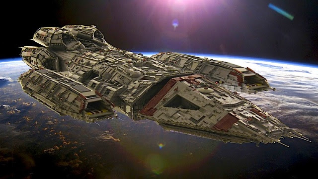 Click here to read The ships of <em>Battlestar Galactica</em>, immortalized in thousands of LEGO bricks