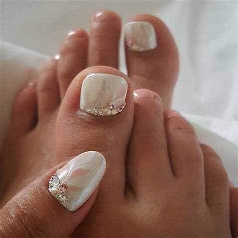 21 Elegant Toe Nail Designs for Spring and Summer   crazyforus