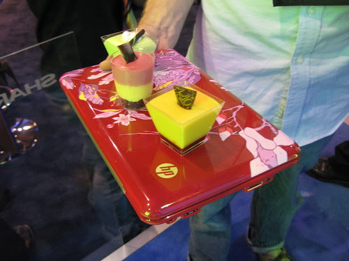 HP Mini 1000 as dessert serving tray. by Veronica Belmont.