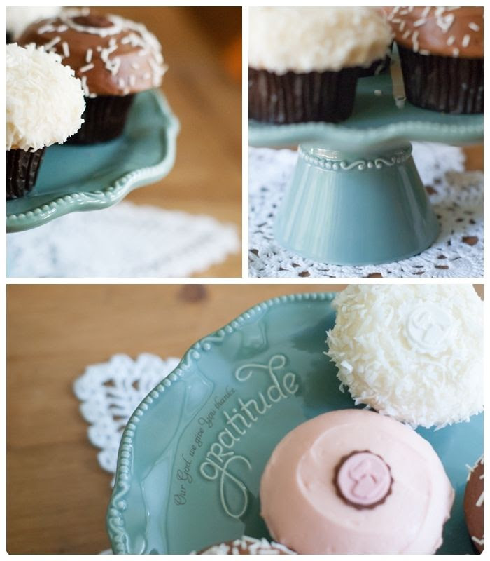 mary & martha cake pedestal ... giveaway!
