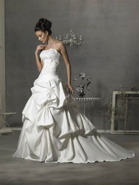 Bussell wedding dress: alterations of your wedding dress