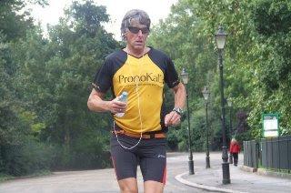 Έτρεξε 365 μαραθώνιους μέσα σε ένα χρόνο!