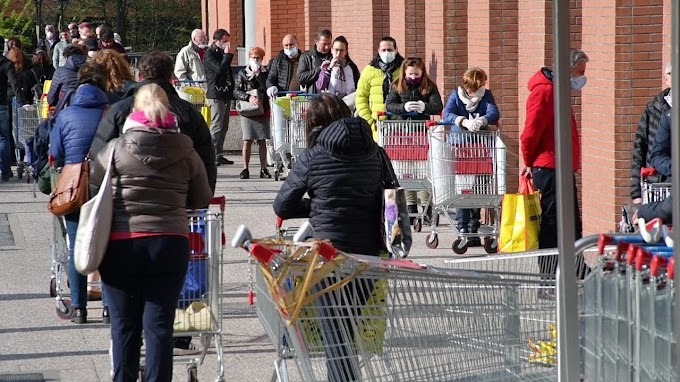 HOW TO AVOID LONG QUEUES IN SUPERMARKETS