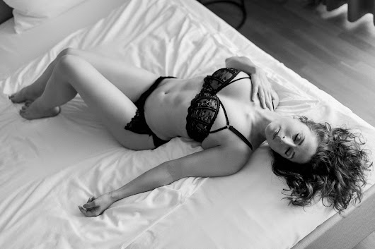 Black & White - Boudoir Photography
