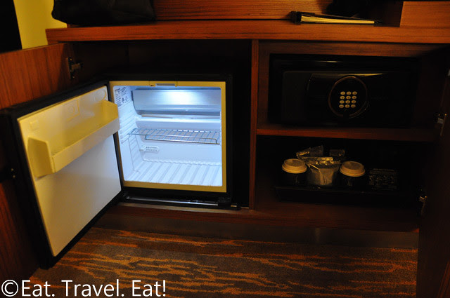 Grand Hyatt San Francisco: Safe/ Fridge/ Coffee-maker