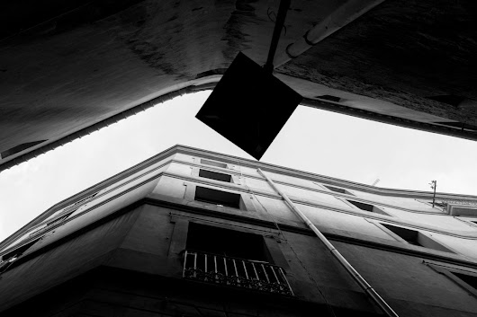 Barcelona 2017 – urban city black and white geometry