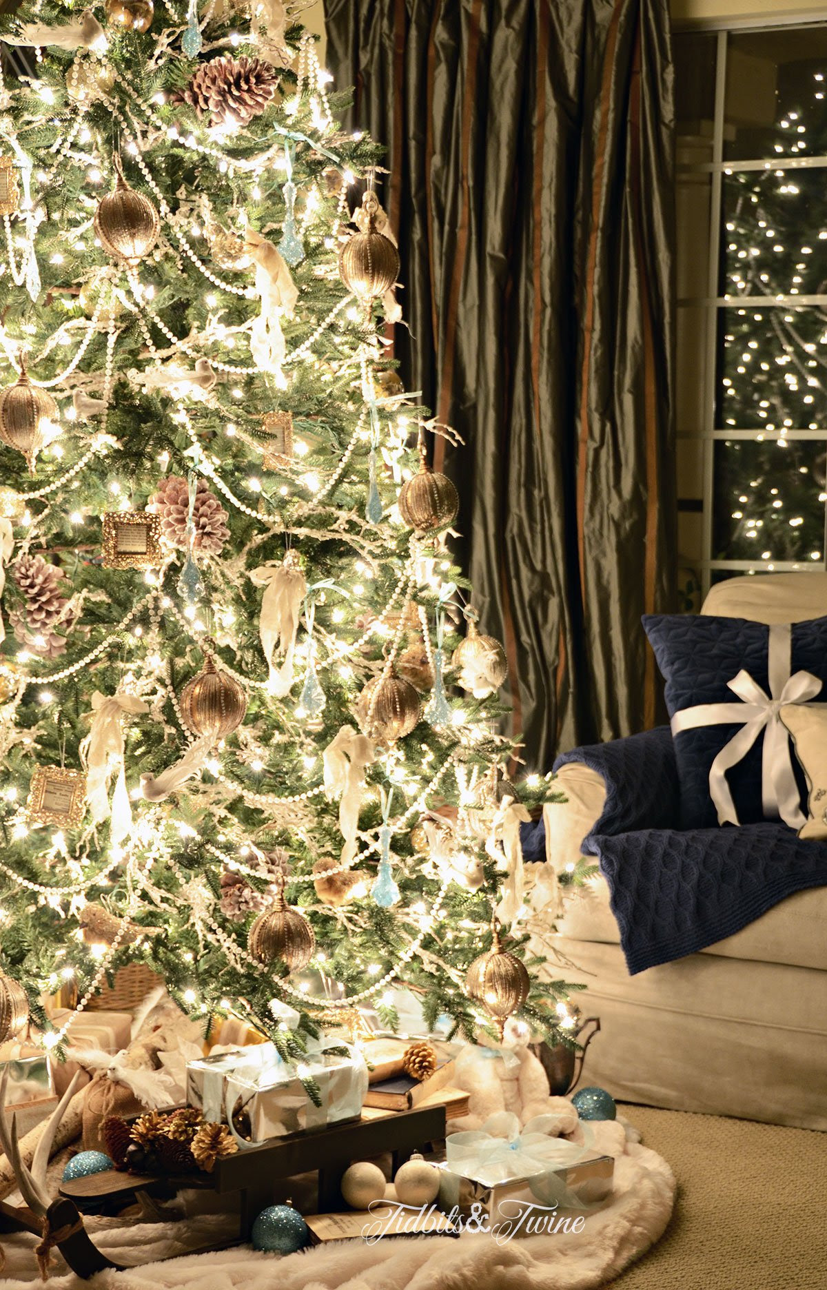 TIDBITS&TWINE French Vintage Christmas Tree at Night 2015