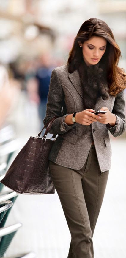 business chic ~ I'm completely in love with this look. Colors, hair, style, swag.  Love it. Esa soy yo. :-)