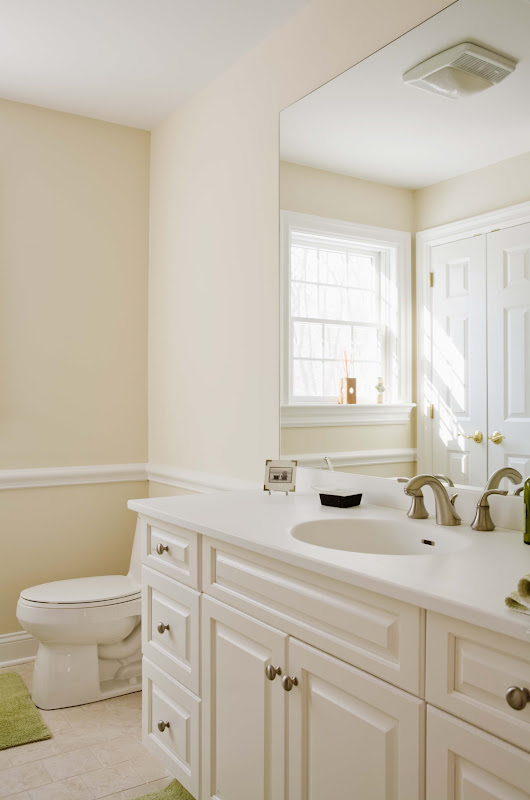 How to Fix Peeling Paint on the Bathroom Wall & Ceiling | Home Guides | SF Gate