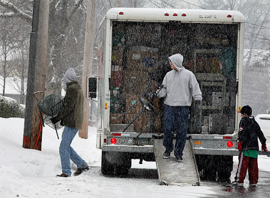 7 Tips for Moving During Winter - Scrubbi