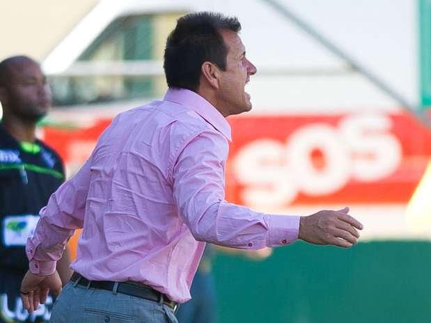 Dunga mostrou irritação com o time em alguns momentos Foto: Vinicius Costa / Futura Press