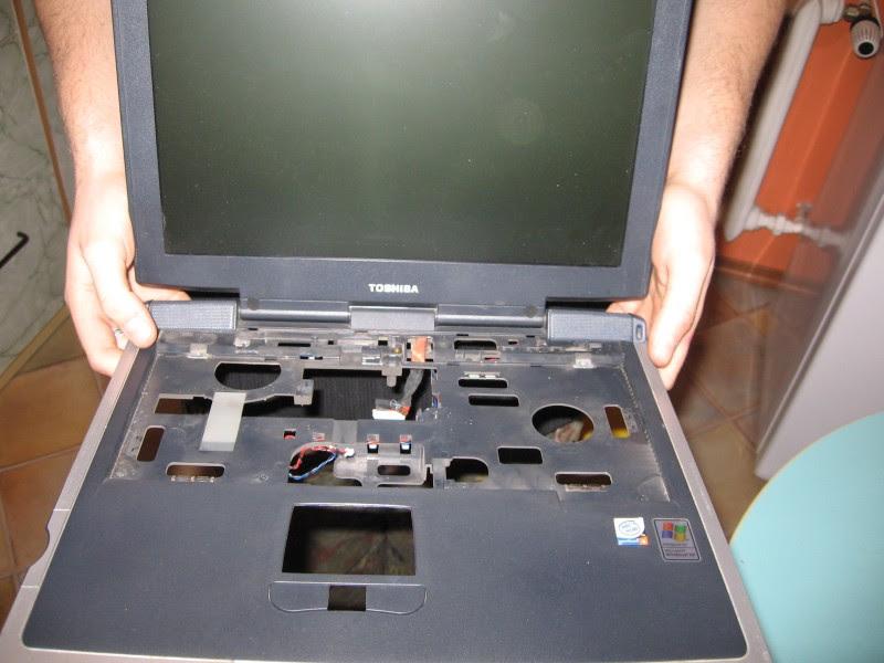 Wymontowany monitor