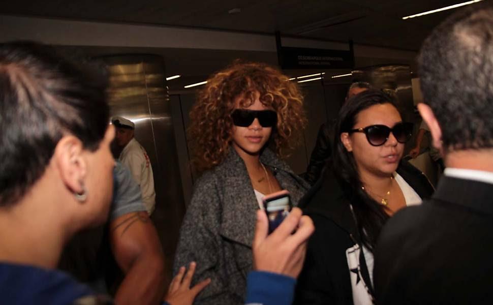 A cantora Rihanna, 23, desembarcou no aeroporto de Guarulhos, em São Paulo, na manhã desta sexta-feira Leia Mais