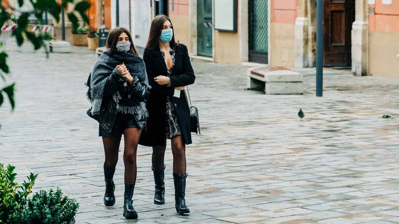Despite face masks covering a large proportion of our faces, we found that people find it surprisingly easy to recognise familiar faces behind masks – speaking to the remarkable versatility of this human skill.