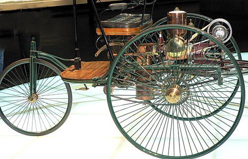 Mercedes-Museum_01