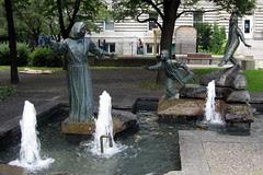 Montréal - Vieux Montréal: Hommage à Marguerite Bourgeoys