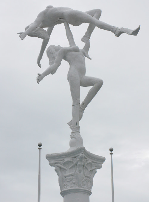 the adagio sculpture at Weeki Wachee Springs, Florida