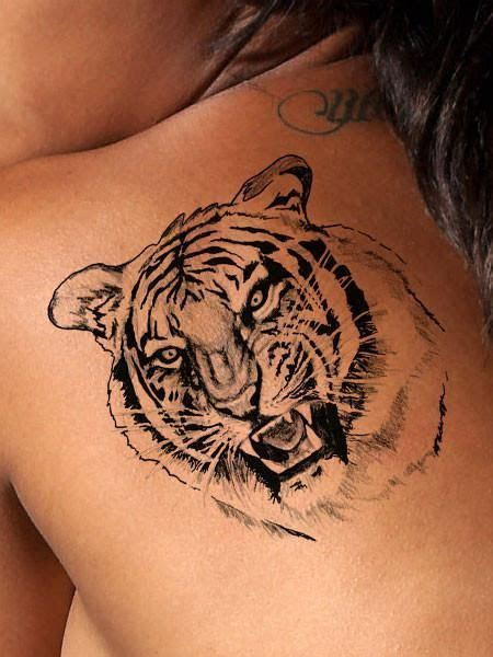 highly detailed black  white tiger tattoo