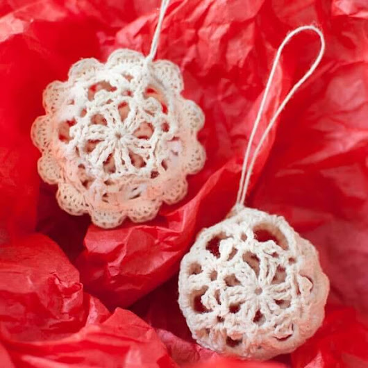 Lace Crochet Christmas Ornaments ... Free Pattern - Petals to Picots