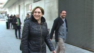 Ada Colau arriba al plenari de Barcelona en Comú