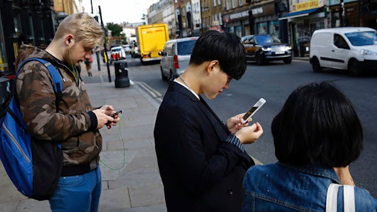 Spine specialists predict epidemic of 'text neck' from smartphone use