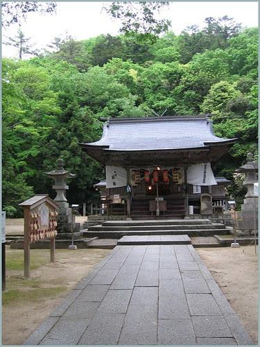 68 Shrine Nagata jinja