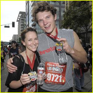 Jennifer Love Hewitt & Alex Beh: Marathon Mates