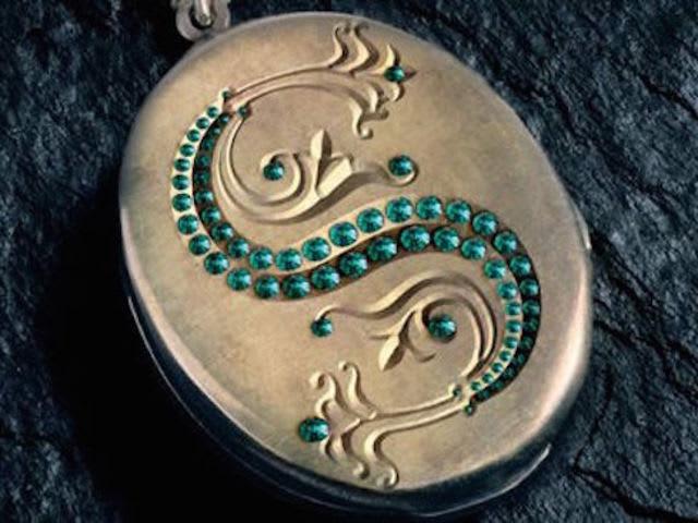 Risultati immagini per medaglione salazar serpeverde
