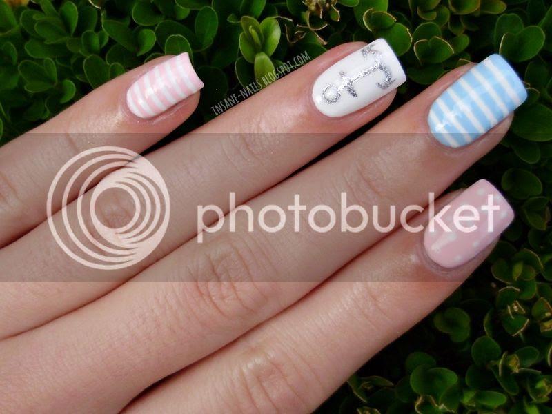 photo pastel-nautical-nails-4_zpseae83dc9.jpg