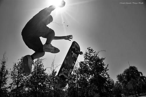 Santiago de Chile. Volando con el sol by Alejandro Bonilla