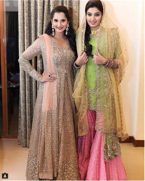 Sister of the Bride Style   Sania Mirza outfits at sister