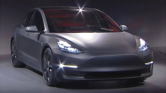Tesla to make all its new cars self-driving - BBC News