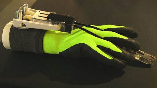 Power glove lets you carve stone - BBC News