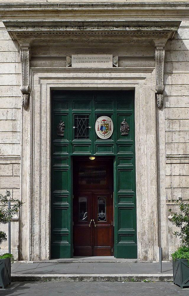 San Lorenzo in Damaso Portal.JPG
