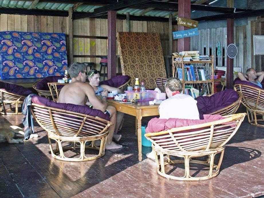 Review Angkor Chom Bungalows and Rooms