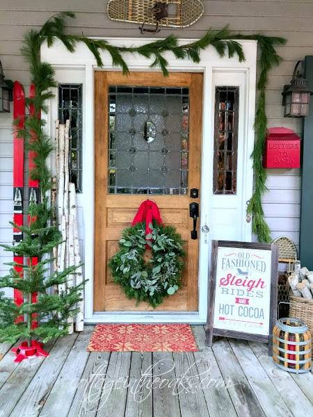 Christmas Front Porch ::: Ready to Welcome Guests! - Cottage in the Oaks