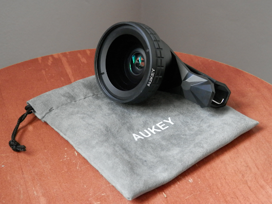 Aukey's Ora 2-in-1 lens system for iPhone helps expand your mobile photography capabilities