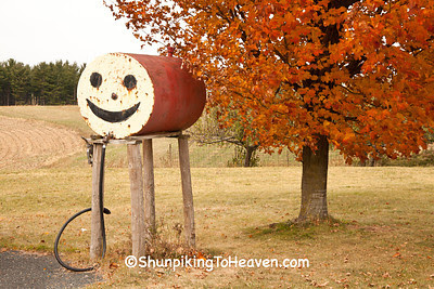 Smiley Face Gas Tank, Vernon County, Wisconsin
