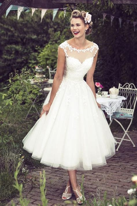 Best 25  Short wedding dresses ideas on Pinterest   White