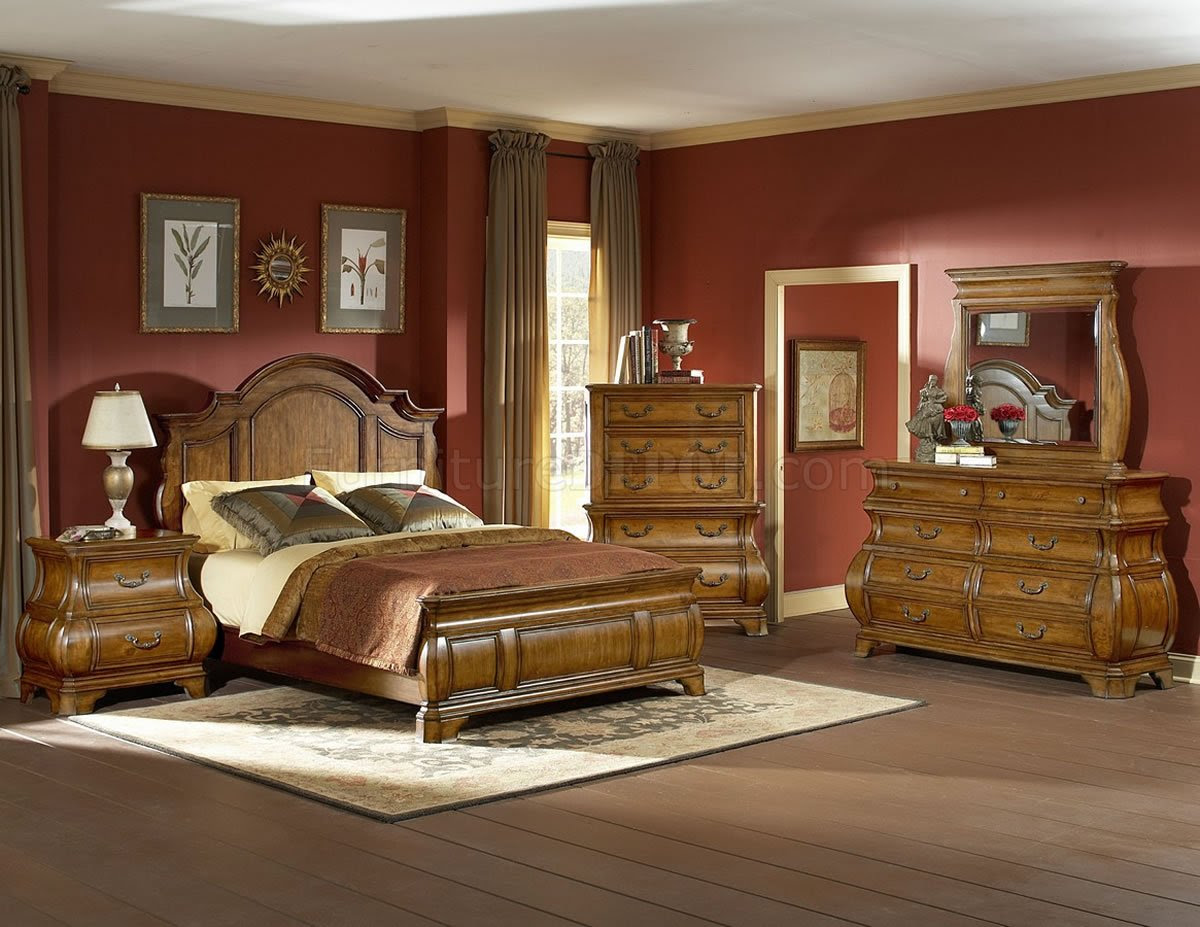 Warm Brown Finish Traditional Style Bedroom W Optional Items