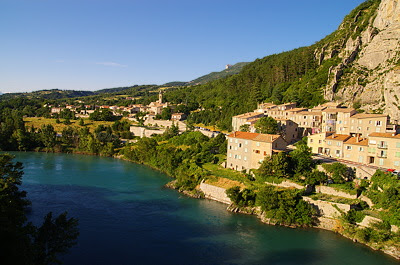 Go to the photo gallery about french villages, monuments and cities