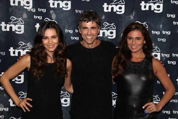 Taína Müller, Reynaldo Gianecchini e Giovanna Antonelli no Fashion Rio (Foto: Claudio Andrade / Photo Rio News)