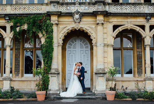 Jessica and Ed's Super Stylish Wedding at Clevedon Hall - Confetti.co.uk